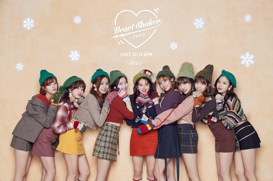 twice-the-1st-repackage-album-Merry-Happy-2.jpg
